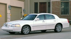 2004 lincoln town car specifications car specs auto123. Black Bedroom Furniture Sets. Home Design Ideas