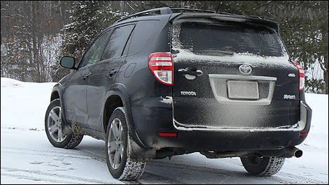 2010 Toyota RAV4 Sport 4WD V6 Review Editor's Review | Car News | Auto123