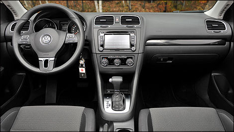 Volkswagen golf tdi familiale highline 2010 essai for Golf interieur longueuil