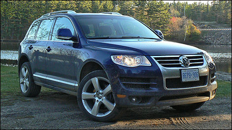 2010 Volkswagen Touareg TDI V6 Comfortline Review (video ...