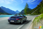 Porsche unveils 911 Carrera Black Edition