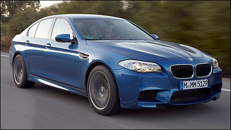 2013 BMW M5 front 3/4 view