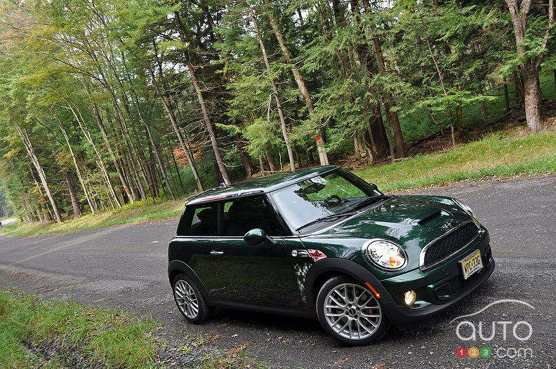 2011 mini john cooper works review stampede leasing. Black Bedroom Furniture Sets. Home Design Ideas