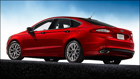 2013 Ford Fusion 2013 rear 3/4 view