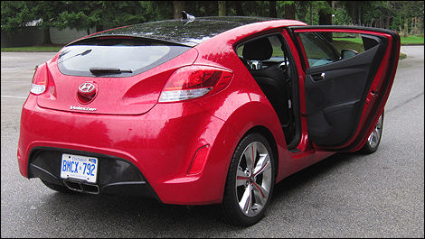 2012 Hyundai Veloster Tech Package rear 3/4 view