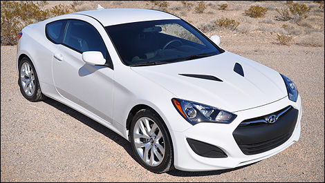 2013 Hyundai Genesis Coupe front 3/4 view