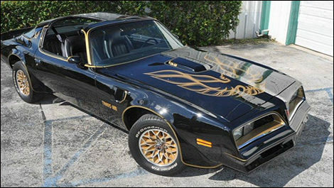 Pontiac Trans Am Smokey and the Bandit front 3/4 view