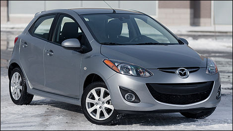 2012 Mazda2 GS front 3/4 view