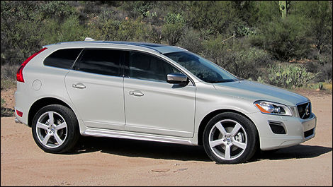 2012 Volvo XC60 T6 AWD R-Design right side view