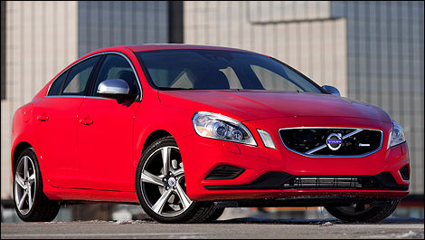2012 Volvo S60 T6 AWD R-Design front 3/4 view