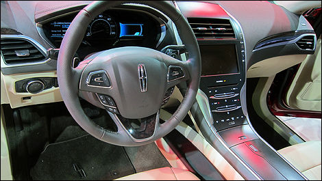2013 Lincoln MKZ dashboard