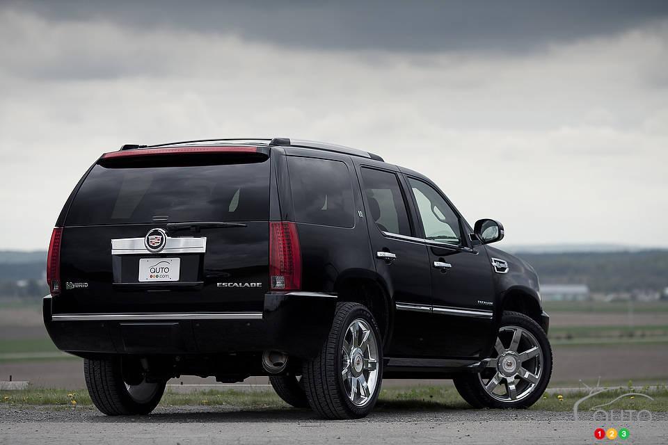 cadillac escalade hybride 2012 actualit s automobile auto123. Black Bedroom Furniture Sets. Home Design Ideas