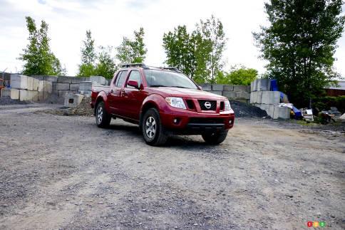 سيارات نيسان Nissan Frontier Pro-4X Nissan-Frontier-2012_003.jpg?scale=484x323