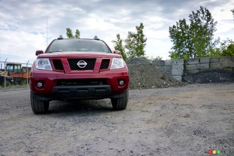 سيارات نيسان Nissan Frontier Pro-4X Nissan-Frontier-2012_004.jpg?scale=484x323
