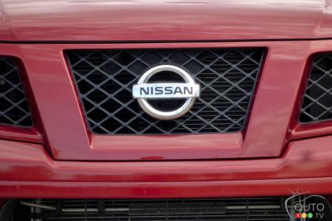 سيارات نيسان Nissan Frontier Pro-4X Nissan-Frontier-2012_005.jpg?scale=484x363