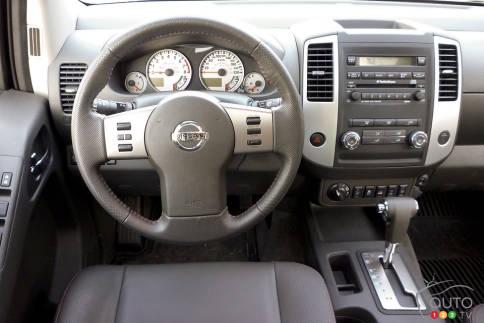 سيارات نيسان Nissan Frontier Pro-4X Nissan-Frontier-2012_007.jpg?scale=484x363