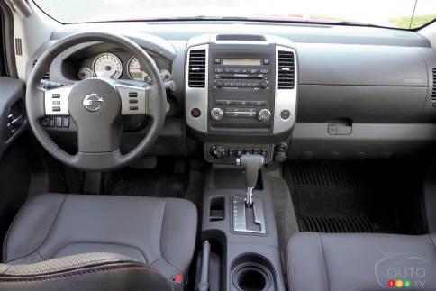 سيارات نيسان Nissan Frontier Pro-4X Nissan-Frontier-2012_008.jpg?scale=484x363