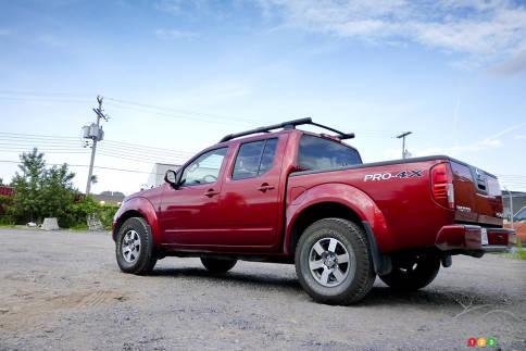 سيارات نيسان Nissan Frontier Pro-4X Nissan-Frontier-2012_011.jpg?scale=484x363