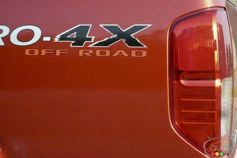 سيارات نيسان Nissan Frontier Pro-4X Nissan-Frontier-2012_015.jpg?scale=484x363