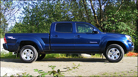 major recall on 2005 2011 toyota tacoma car news auto123. Black Bedroom Furniture Sets. Home Design Ideas