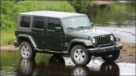 jeep wrangler unlimited sahara 2007 essai essai routier actualit s automobile auto123. Black Bedroom Furniture Sets. Home Design Ideas
