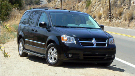 2008 dodge grand caravan and chrysler town country first impressions editor 39 s review car. Black Bedroom Furniture Sets. Home Design Ideas