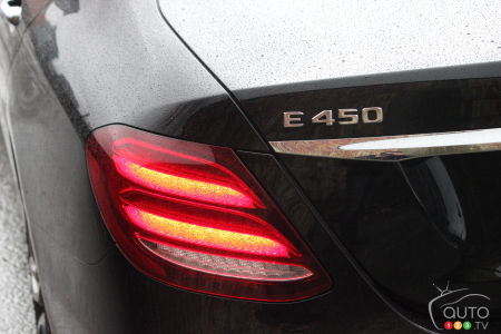 2020 Mercedes-Benz E 450, rear light