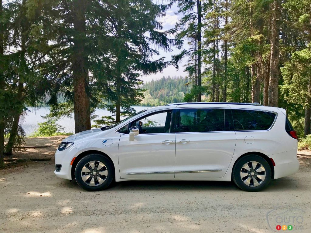 Chrysler Revives Voyager Nameplate