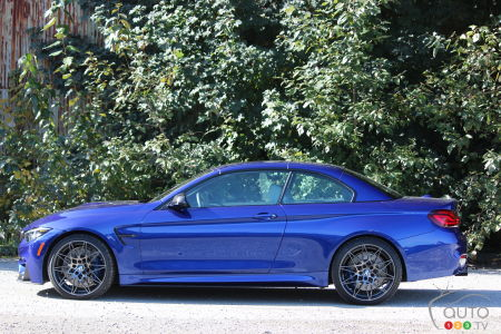 2020 BMW M4 Cabriolet, profile with roof up