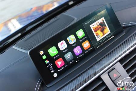 2020 BMW M4 Cabriolet, screen