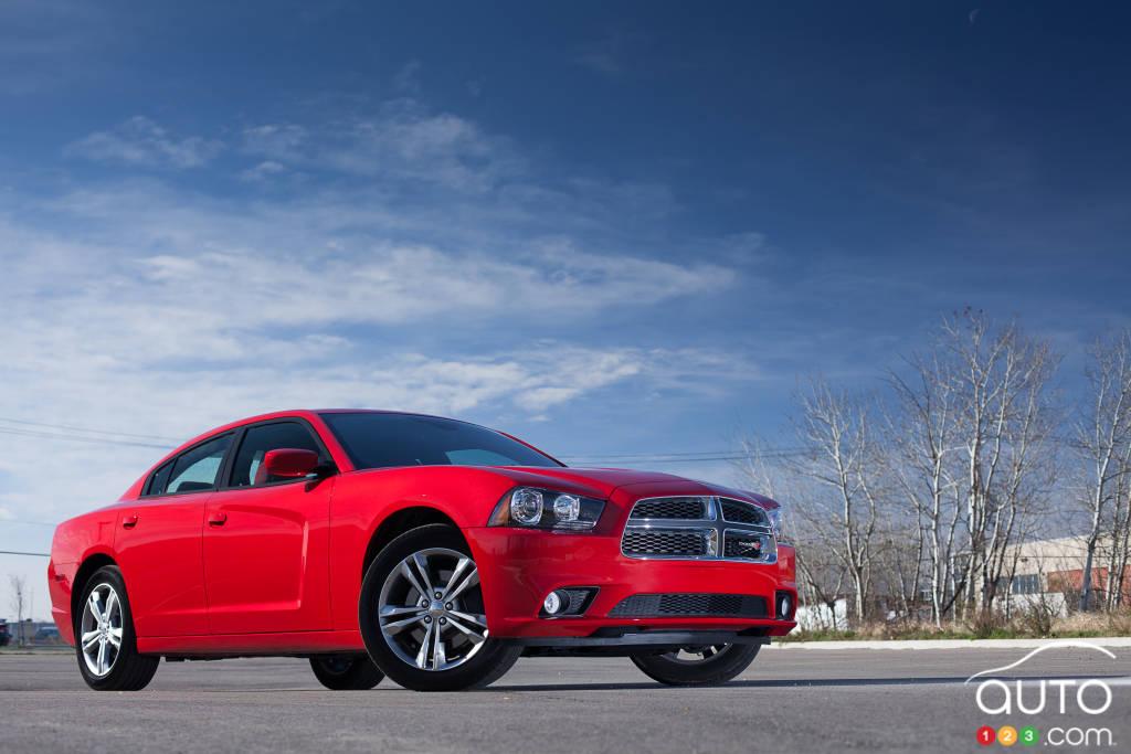2013 Dodge Charger SXT Plus AWD | Car News | Auto123