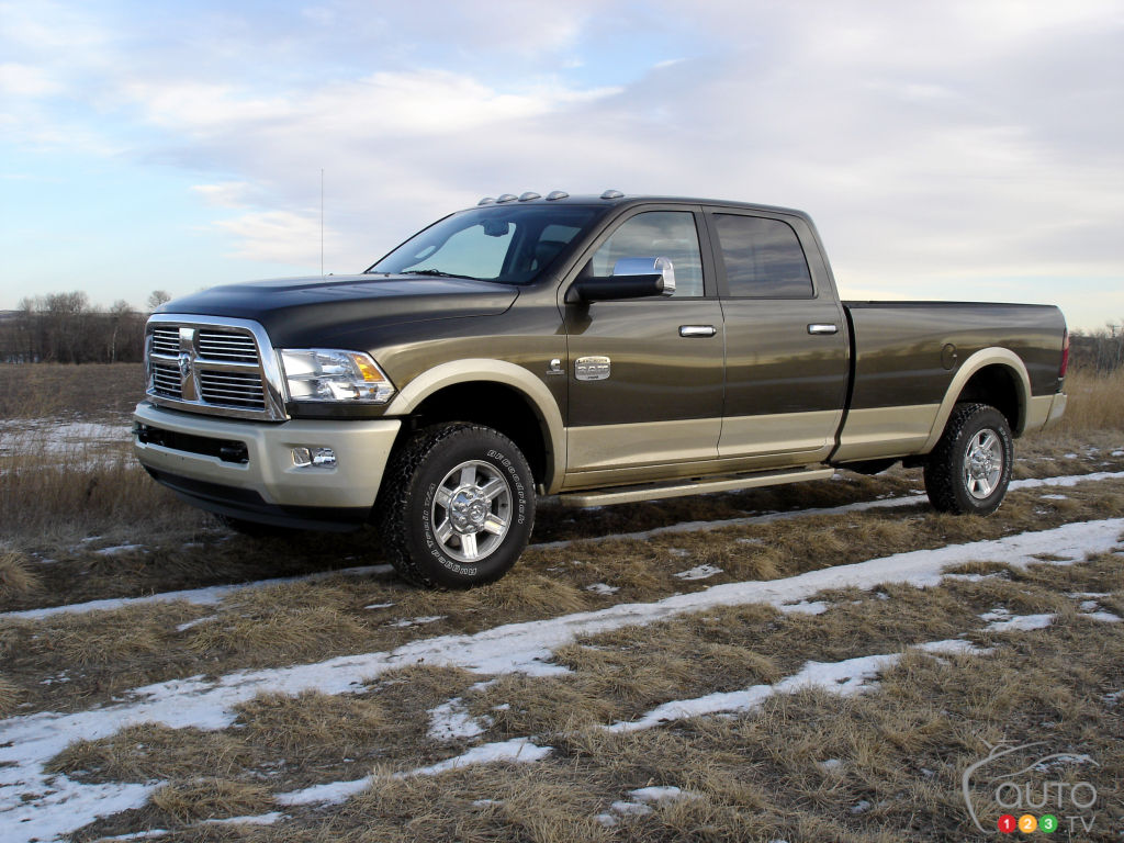 2012 ram 2500 laramie longhorn crew cab 4x4 car reviews auto123. Black Bedroom Furniture Sets. Home Design Ideas