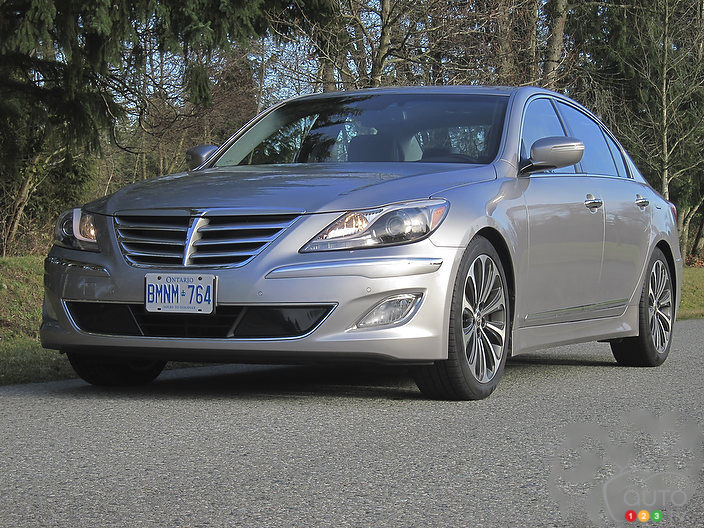 2012 hyundai genesis 5 0 r spec car reviews auto123. Black Bedroom Furniture Sets. Home Design Ideas