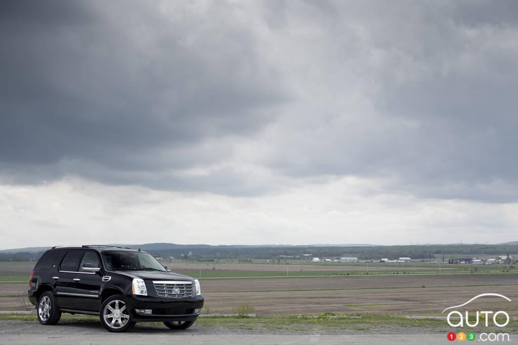 cadillac escalade hybride 2012 essais routiers auto123. Black Bedroom Furniture Sets. Home Design Ideas