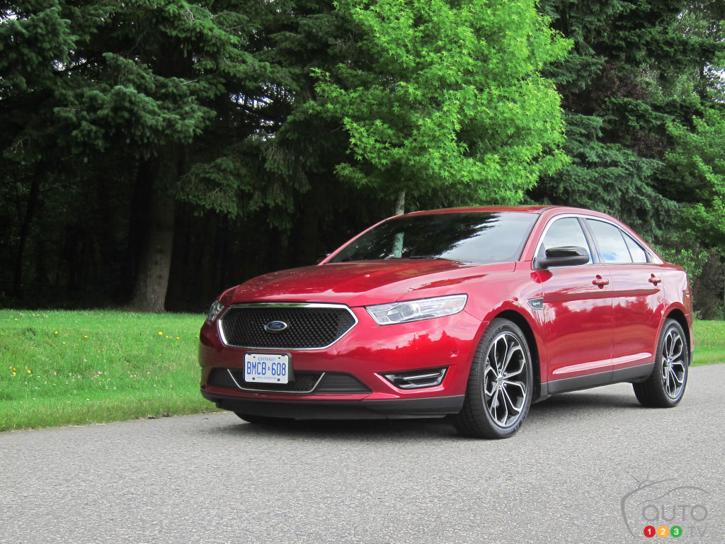 ford taurus sho 2013 actualit s automobile auto123. Black Bedroom Furniture Sets. Home Design Ideas