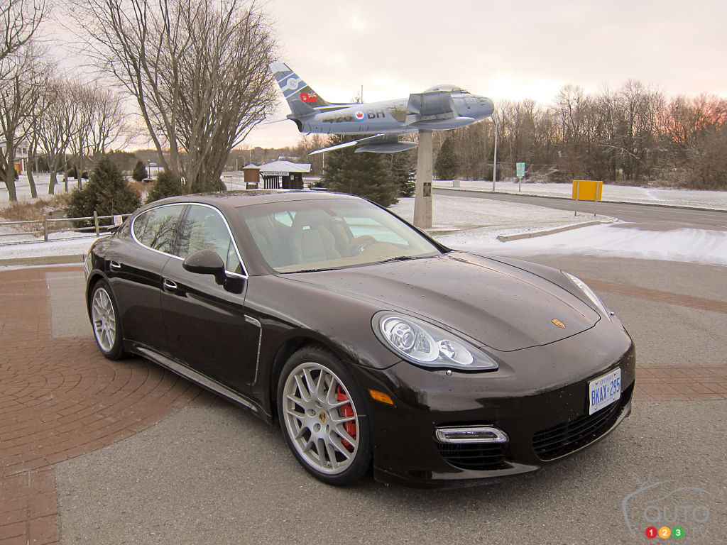 2012 porsche panamera turbo s car reviews auto123. Black Bedroom Furniture Sets. Home Design Ideas