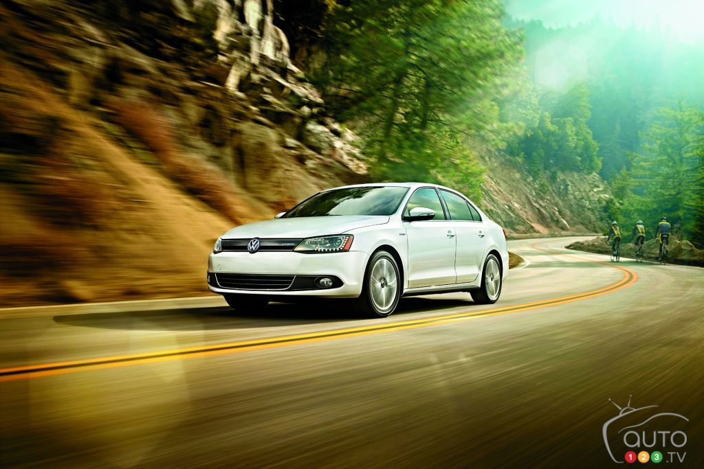 2013 volkswagen jetta turbo hybrid car news auto123 for Paquin motors used cars