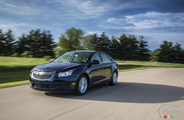 2014 Chevrolet Cruze Clean Turbo Diesel Photo Gallery