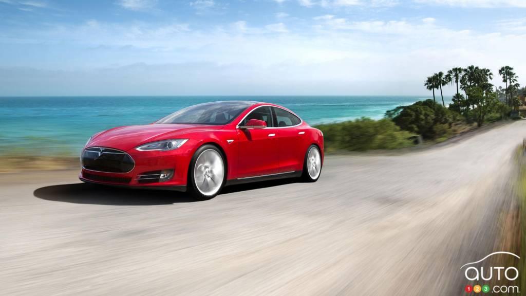 Tesla: une alliance avec BMW pour des batteries et de la fibre de carbone?