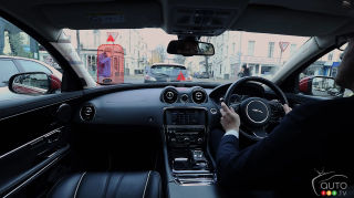 "Jaguar Land Rover introduces ""360 Virtual Urban Windscreen"""