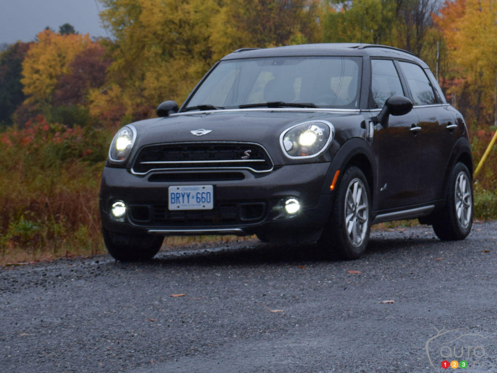 2015 mini cooper s countryman all4 review car news auto123. Black Bedroom Furniture Sets. Home Design Ideas