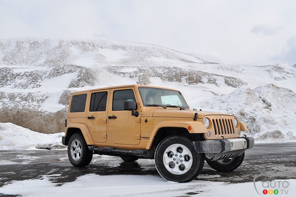 2014 jeep wrangler unlimited sahara 4x4 review editor 39 s review car reviews auto123. Black Bedroom Furniture Sets. Home Design Ideas