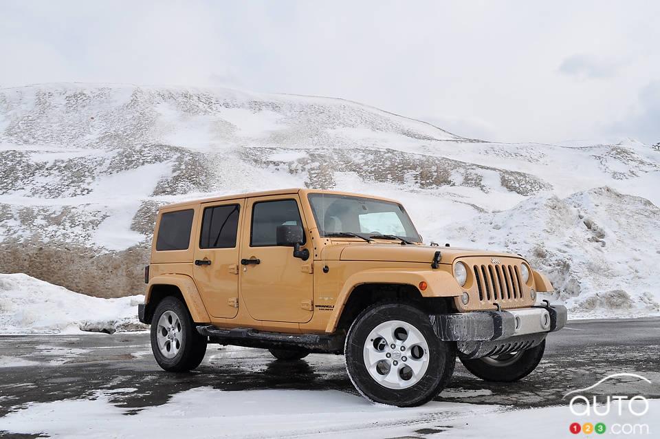 jeep wrangler unlimited sahara 4x4 2014 essai routier essai routier actualit s automobile. Black Bedroom Furniture Sets. Home Design Ideas