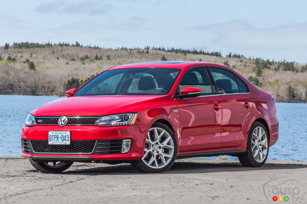 2014 Volkswagen Jetta Gli Review Editor S Review Car Reviews Auto123