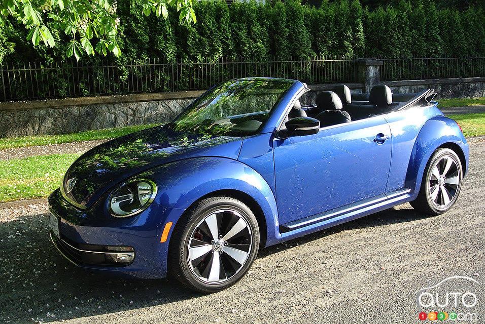 volkswagen beetle d capotable 2 0 tsi sportline 2014 essai routier essai routier essais. Black Bedroom Furniture Sets. Home Design Ideas