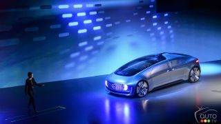 2015 CES: Mercedes-Benz unveils F 015 Luxury in Motion concept