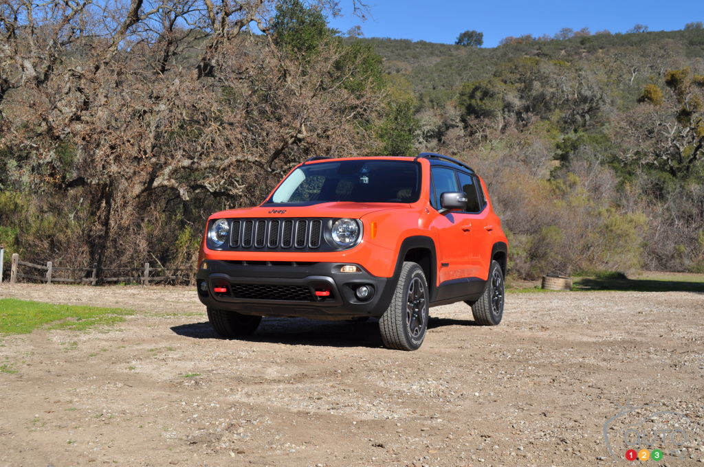 2015 jeep renegade pricing announced car news auto123. Black Bedroom Furniture Sets. Home Design Ideas