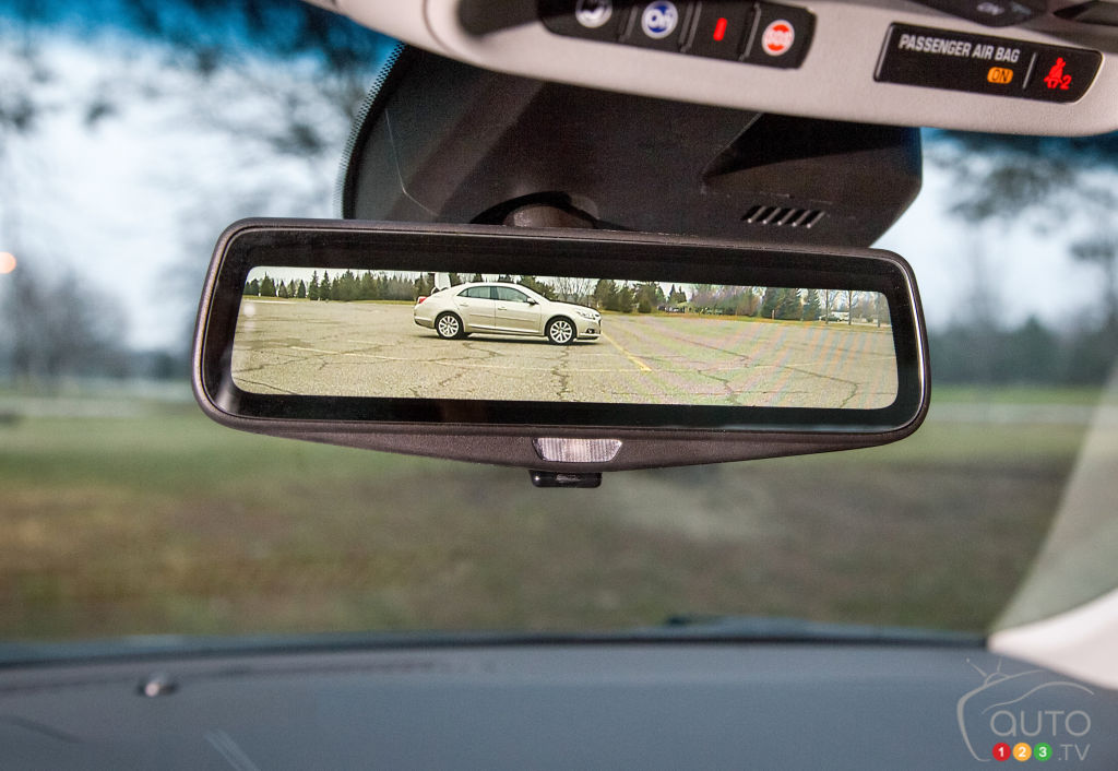Aluminum and video-streaming rearview mirror for Cadillac's new CT6