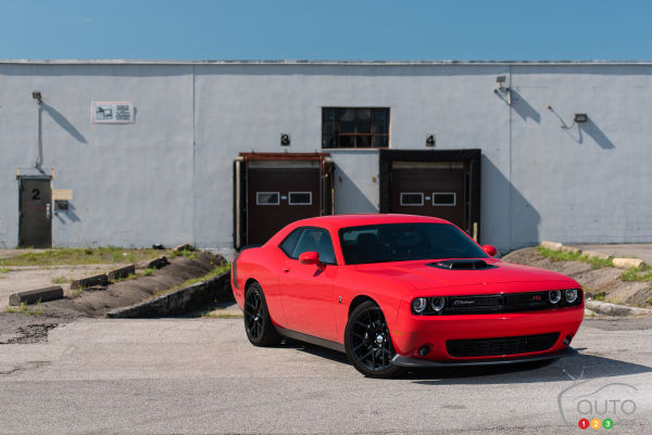 2015 Dodge Challenger R/T Scat Pack Shaker review