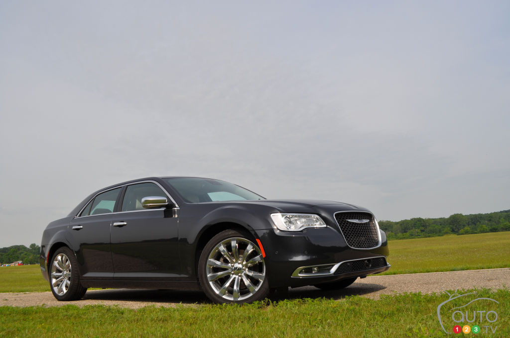 2016 chrysler 300c platinum first drive car reviews. Black Bedroom Furniture Sets. Home Design Ideas